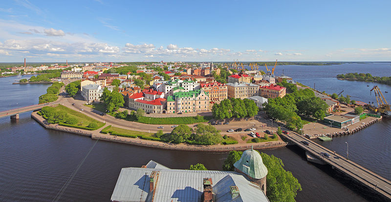 800px-Vyborg_June2012_View_from_Olaf_Tower_06