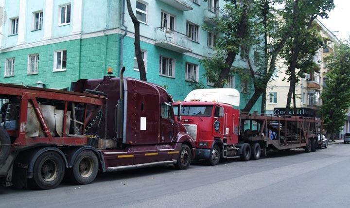 Машины участвующие в шоу приехали в Воронеж не своим ходом